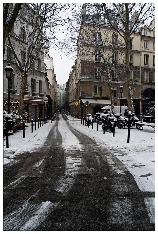Première neige de l'année sur Paris ce matin. 20091217-p1020903...e_resize-16879ad