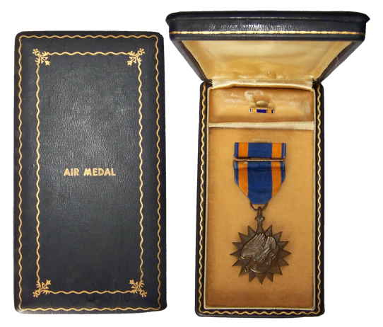 LES DECORATIONS US - Page 2 Air-medal---box-l...r-ii---r-20e59af
