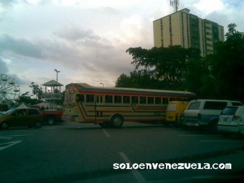 Imagenes Chistosas! One more time!  YEAH! XD - Página 4 Estaciona-al-bus-1379f82