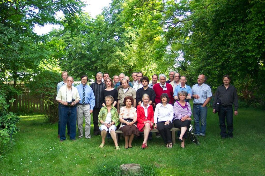Journée Ufologique a Tours (37)  le 13 Juin 2009 Groupe-fd49e5