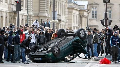 A Paris, une distribution de billets tourne à l'émeute B2202856-d148-11d...88c3e675-15564a6