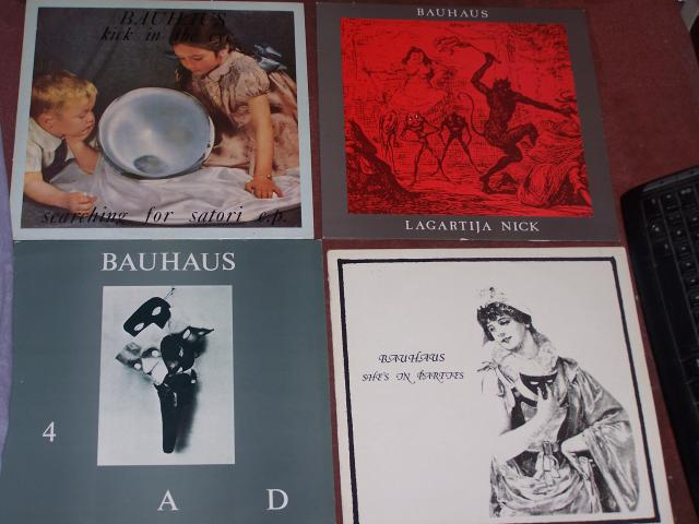 Bauhaus [Angleterre - Post-punk / Batcave] 100_1010-ea1028